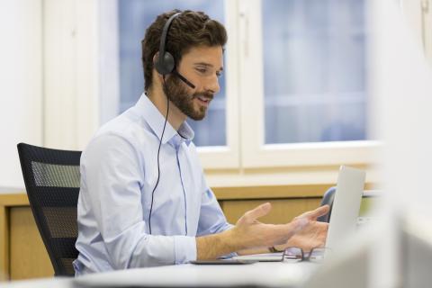 Entretiens vid o sur skype comment a marche robert half - Skype bureau ...