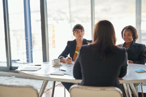 entretien d embauche quelles questions poser aux candidats robert half. Black Bedroom Furniture Sets. Home Design Ideas